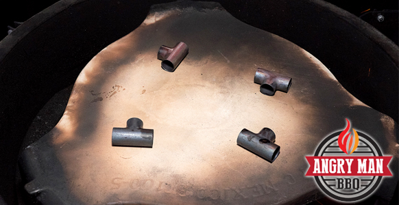 I use 4 copper plumbing Tees to create a space between the platesetter and the pizza stone.